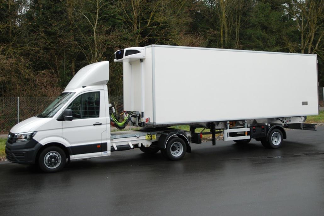 Ablieferung eines Pharma-Aufliegers der GESER Fahrzeugbau AG