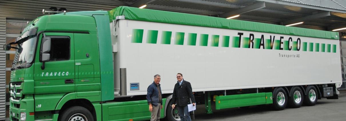 Ablieferung von drei Knapen Schubboden-Auflieger an die TRAVECO Transporte AG