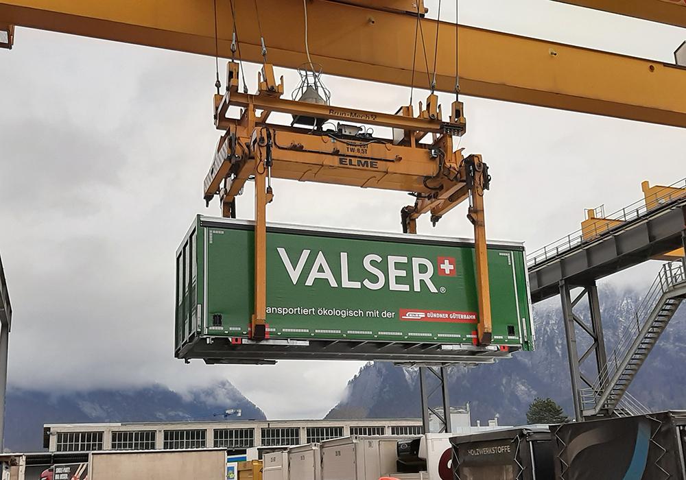 Ablieferung des fertigen Aufbaus an Valser
